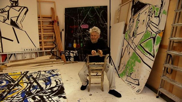 """Achim Freyer in seinem Atelier / Aus dem Film """" Man will das Bild der Bilder machen """" 2014 / Regie Marion Rasche"""